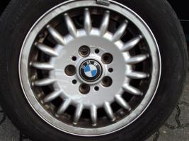 Foto 3 3er BMW >4 x Alufelgen mit Reifen