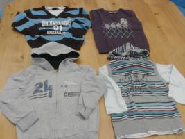 4 Kinder, Buben, Knaben Oberteile Gr. 104/110 um 9€.