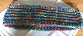 4 Loop-Schals für Kinder, selbst gestrickt bzw. gehäkelt, je 5 €