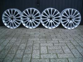 4 Original Mercedes Leichtmetallfelgen