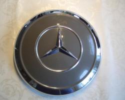 4 Radkappen Mercedes W 110/W111 ungebraucht