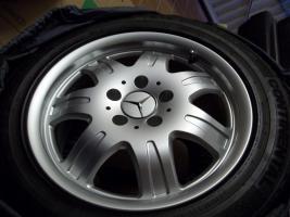Foto 12 4 gebrauchte SLK Mercedes Benz Leichtschmiedefelgen 16 Zoll ( 7 x 16 ET 34 mm )