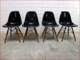 4 x original 60s CHARLES EAMES Fiberglas Chair
