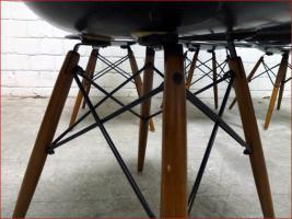 Foto 4 4 x original 60s CHARLES EAMES Fiberglas Chair