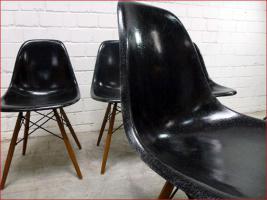 Foto 6 4 x original 60s CHARLES EAMES Fiberglas Chair