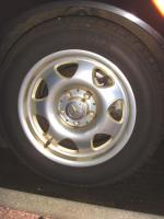 4  Bridgestone Sommer u. 4  Pirelli Winter 205/60 m. Felgen