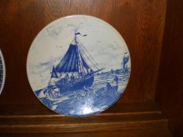 Foto 4 5 wunderschöne Wandteller & 4 Vasen in blau von Delft