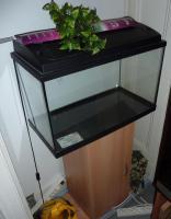 60 Liter Süsswasser - Aquarium mit Unterschrank und Zubehör