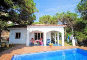 ☀️ Ferien in Spanien günstig buchen Ferienhaus privater Pool Lloret de Mar Costa Brava