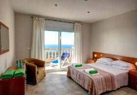 Foto 13 ☀️ Spanien Ferienhaus an der Costa Brava mit privatem Pool mieten