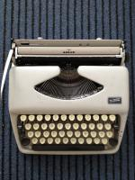 Adler Schreibmaschine ''Tippa''