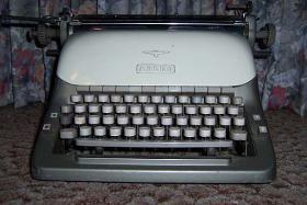 Adler - Büroschreibmaschine