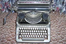 Foto 4 Adler - Büroschreibmaschine