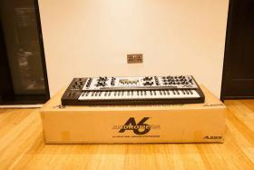 Foto 2 Alesis Andromeda A6 Classic Analogue Synth