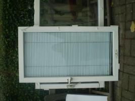 Alte Holzfenster OHNE Rahmen zu verschenken!