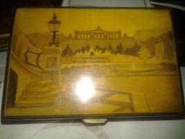Alte Intarsien Spieldose Motiv: Gloriette Wien