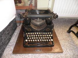 Alte Schreibmaschine Triumph