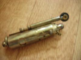 Altes Benzinfeuerzeug für Sammler