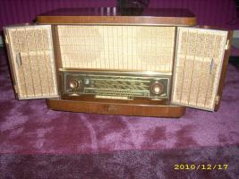 Altes Röhrenradio   > SIEMENS  SCHATTULE  H 42 <