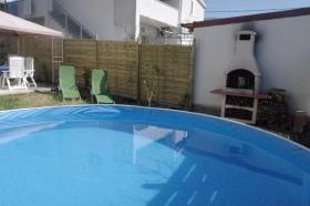 Foto 2 Am Meer in Kroatien Haus mit Garten, Pool, Grill zum Alleinnutzung
