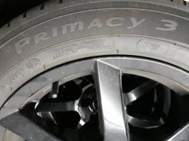 """Foto 2 Angeboten zum Verkauf  werden 4x  Michelin Sommer - Reifen 205/55 R17 95V + Felgen/ Black Glossy  sehen super aus"""""""
