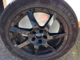 """Foto 3 Angeboten zum Verkauf  werden 4x  Michelin Sommer - Reifen 205/55 R17 95V + Felgen/ Black Glossy  sehen super aus"""""""
