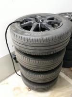 """Foto 4 Angeboten zum Verkauf  werden 4x  Michelin Sommer - Reifen 205/55 R17 95V + Felgen/ Black Glossy  sehen super aus"""""""