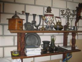 Foto 2 Antike Hand-Nähmaschine u. Hand-Kaffeemühle