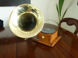 Foto 2 Antique gramophone & Schreibmaschine - Ltd Grammophon