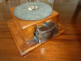 Foto 3 Antique gramophone & Schreibmaschine - Ltd Grammophon