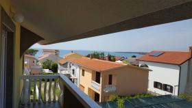 Appartements bis 4-5 Personen in Zukve 100 m vom Strand