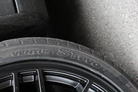 Foto 3 Audi VW Skoda Seat Mercedes 2xNEU: Verkaufe 245/35R18 Hankook S1 EVO Kompletträder auf ASA GT1 Felgen 18