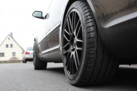 Foto 5 Audi VW Skoda Seat Mercedes 2xNEU: Verkaufe 245/35R18 Hankook S1 EVO Kompletträder auf ASA GT1 Felgen 18