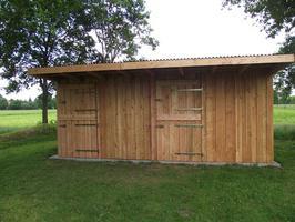 Foto 2 Außenboxen -Hütten massiv auch mit Heu- und Sattelkammer