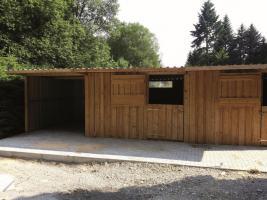 Foto 15 Außenboxen -Hütten massiv auch mit Heu- und Sattelkammer