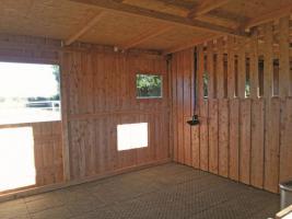 Foto 17 Außenboxen -Hütten massiv auch mit Heu- und Sattelkammer