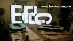 Foto 33 Außenwerbung Leuchtreklame Leuchtwerbung Leuchtkästen Leuchtbuchstaben beleuchtete Schriftzüge 3D LED Einzelbuchstaben Reklame Werbung   Gewerbeimmobilien 3D LED RGB