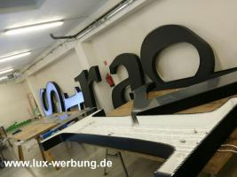 Foto 32 Außenwerbung Werbeschilder Leuchtschilder Leuchtkästen Leuchtbuchstaben Leuchtwerbung Leuchtreklame Profilbuchstaben Schriftzüge Berlin