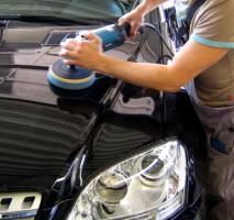 Auto Reinigung un Maschinelle Politur