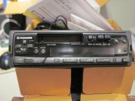 Autoradio mit 6fach CD wechsler
