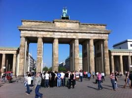 BERLIN und POTSDAM FERIENWOHNUNGEN GAESTEZIMMER ZENTRAL UNTERKUNFT APARTMENTS