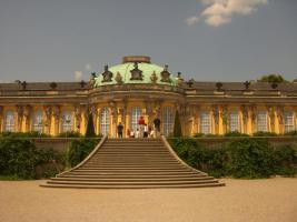 Foto 14 BERLIN und POTSDAM FERIENWOHNUNGEN GAESTEZIMMER ZENTRAL UNTERKUNFT APARTMENTS