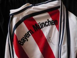 Bayern München Shirt mit Originalunterschrift Oliver Kahn