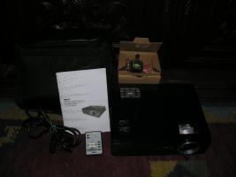 BenQ MP610 DLP Projektor mit 2. NEUER Ersatzlampe