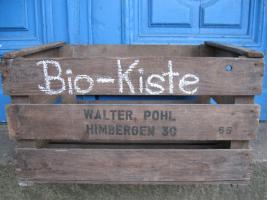 """''Bio-Kiste"""" mit Gemüse, Eiern, Rohmilchprodukten, Vollwert-Backwaren"""