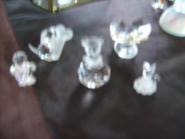 Foto 3 Bleikriatall-Vitrinen und Figuren( Bleikristallregen)