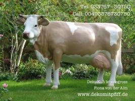 Foto 4 Blickfang für Ihr Geschäft … Stückpreis 1049,00 € kostet bei uns diese Deko Kuh lebensgross mit der Kuhschelle und Kuhschellenriemen inkl. Lieferung / DE