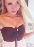 Foto 7 Blondine jung braucht..