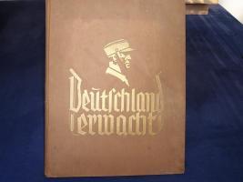 Foto 2 Bodenfund alter Degen, Sammelalbum und seltenes Buch von 1940