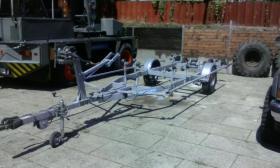 Foto 2 Bootstrailer 1350kg/ bootsanhänger/ Hafentrailer/PKW Anhänger